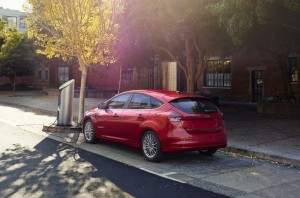 ford-focus-electrico-recarga